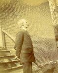 LU-083.1749 - Unknown man standing outside
