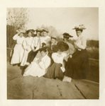 LU-083.1776 - Group of women. Likely on Willis Mountain