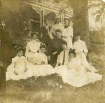 HS-022.003, Family photo, ca. late 1800s